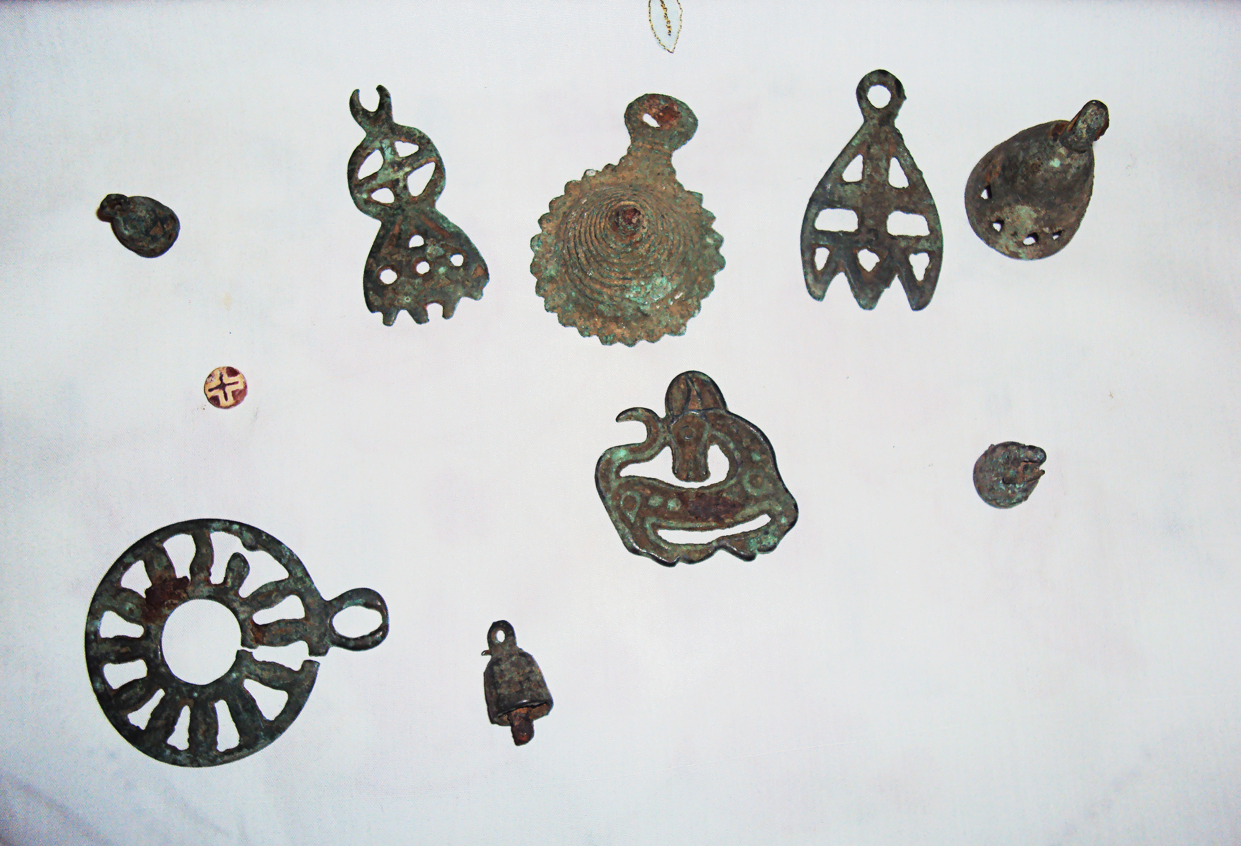 Archaeological artefacts related to the pre-Buddhist Bon religion